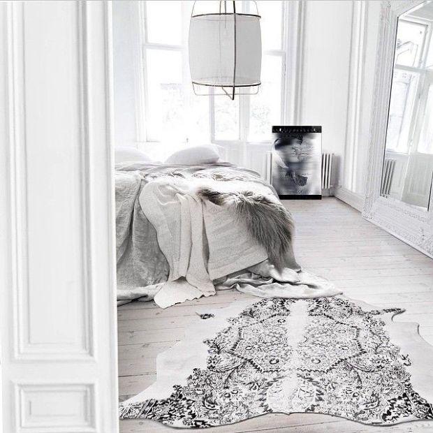 Charlesrayandcoco-koushi-lamp-bedroom