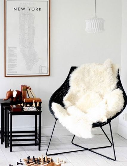 Charles Ray and Coco - fauteuil et peau cocooning