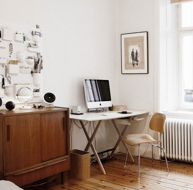 Simple Scandinav office