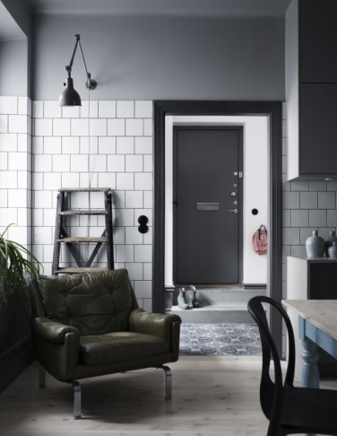 charlesrayandcoco-residencemagazine-arkitektparets-lagenhet-foto-kristofer-johnsson1-700x905