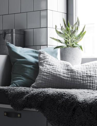 charlesrayandcoco-residencemagazine-arkitektparets-lagenhet-foto-kristofer-johnsson2-700x905