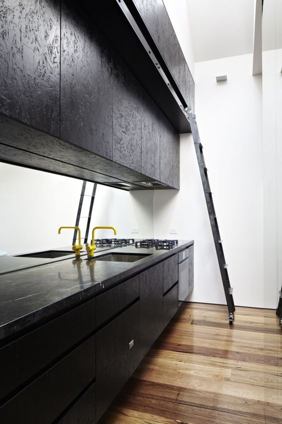 Charles Ray and Coco - blog deco et design - wood kitchen osb black