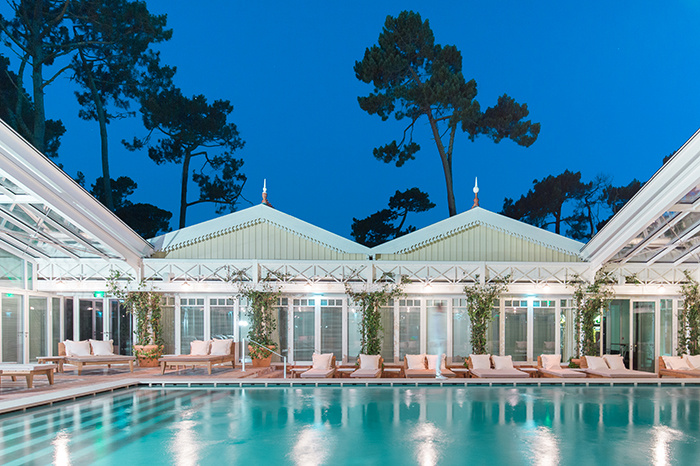 charles-ray-and-coco-blog-decoration-hotel-haaitza-_nicolas_anetson-piscine-pyla-arcachon - philippe starck