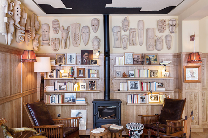 charles-ray-and-coco-blog-decoration-hotel-haaitza-_nicolas_anetson-le-pyla - arcachon - cheminée