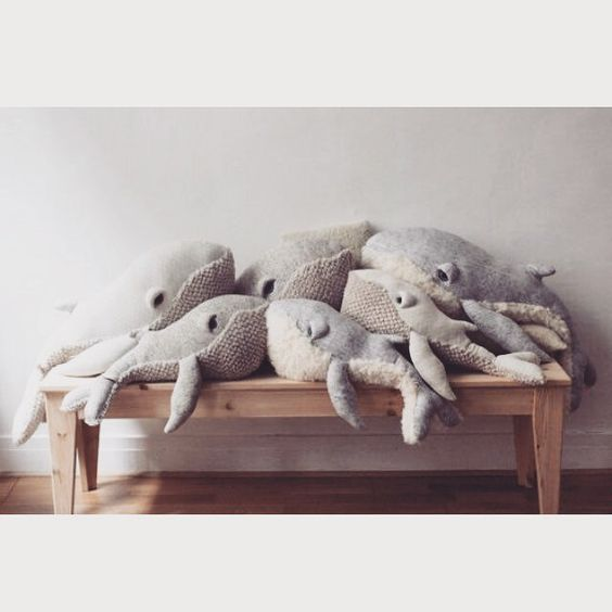 Charles Ray and Coco - blog decoration et design -peluche bigstuffed - baleines