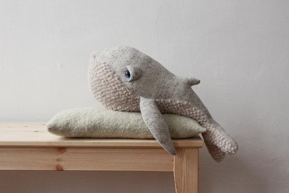 Charles Ray and Coco - blog decoration et design -peluche bigstuffed - small baleine