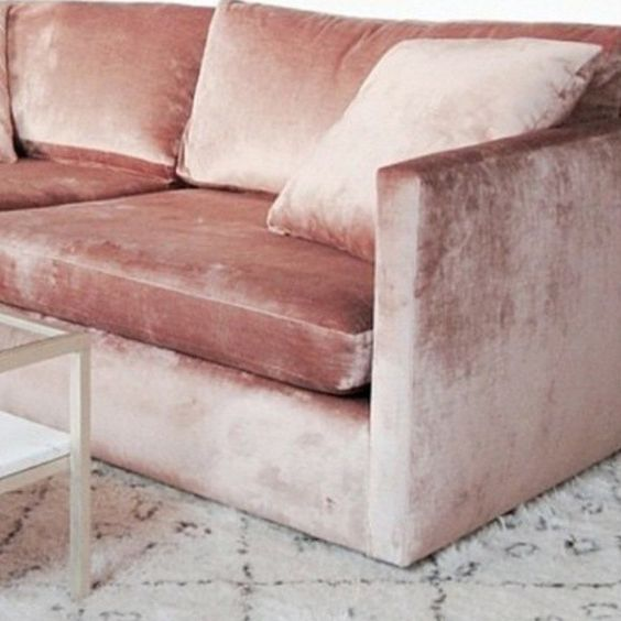 canape-togo-velours-rose-2-charlesrayandcoco-blog-deco-design-bordeaux