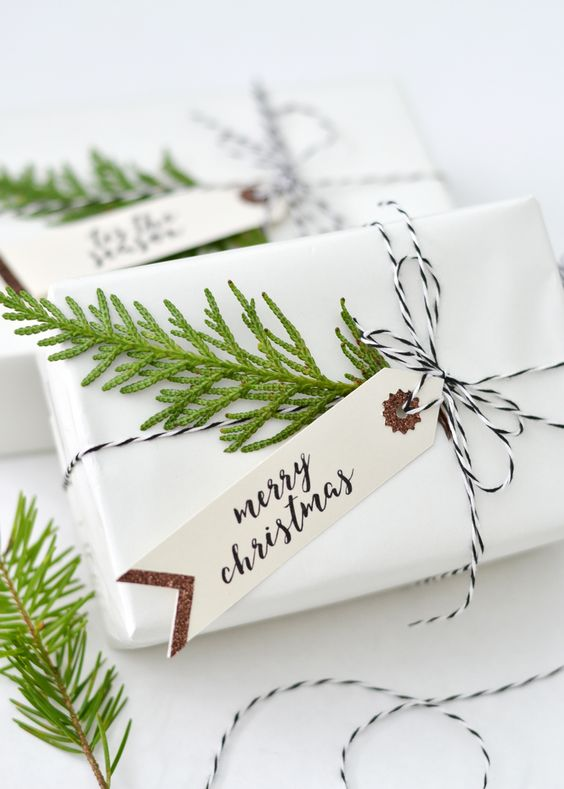 paquet-cadeaux-kraft-customise-sapin-merry-christmas-noel-charlesrayandcoco-blog-decoration-design-bordeaux