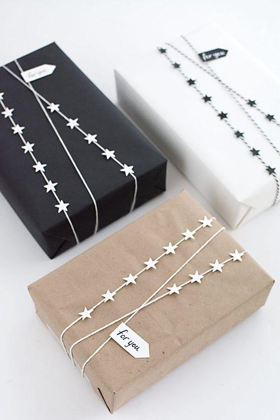 paquet-cadeaux-kraft-guirlande-noel-charlesrayandcoco-blog-decoration-design-bordeaux