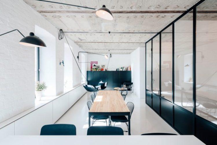 charles ray and coco - blog deco et design - actualite de la decoration et du design - visite - apartment-on-leningradsky22-768x512