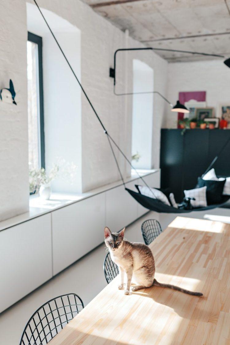charles ray and coco - blog deco et design - actualite de la decoration et du design - visite - apartment-on-leningradsky25-768x1152