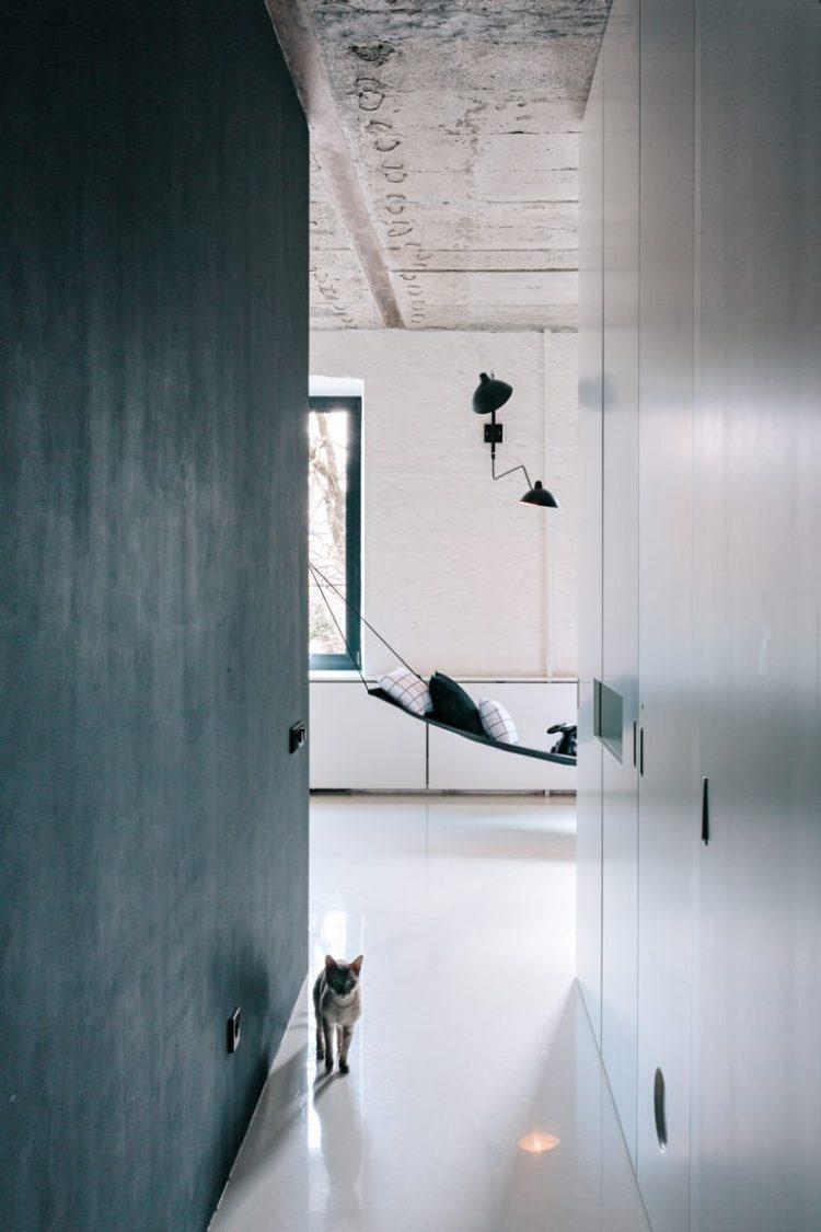 charles ray and coco - blog deco et design - actualite de la decoration et du design - visite - apartment-on-leningradsky26-768x1152