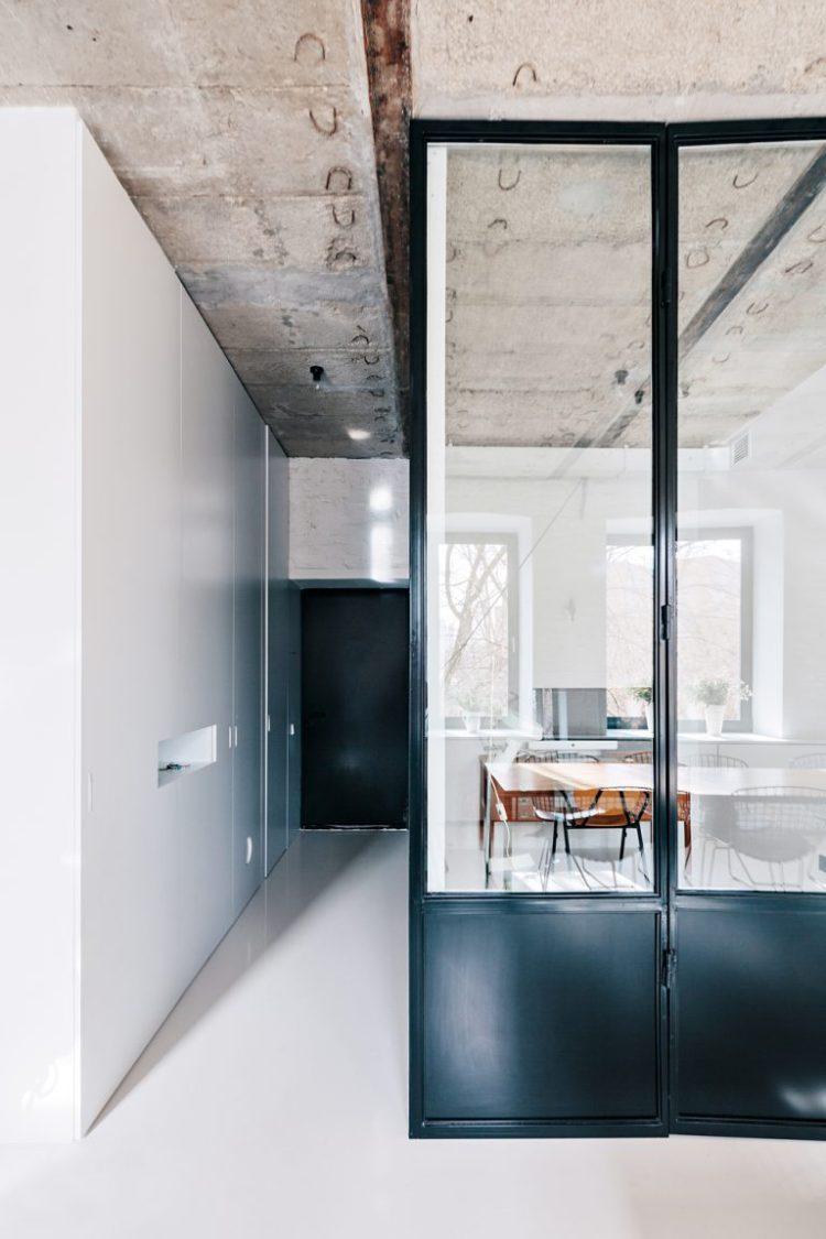 charles ray and coco - blog deco et design - actualite de la decoration et du design - visite -apartment-on-leningradsky27-768x1152