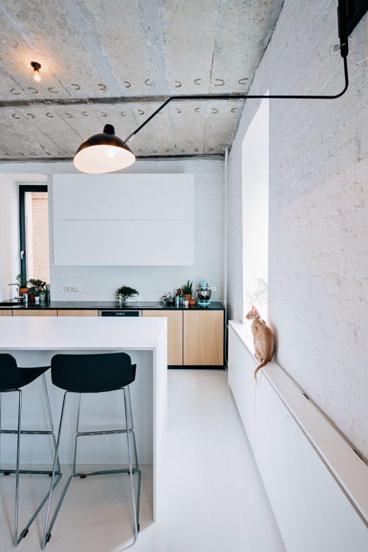 charles ray and coco - blog deco et design - actualite de la decoration et du design - visite - apartment-on-leningradsky30-768x1152
