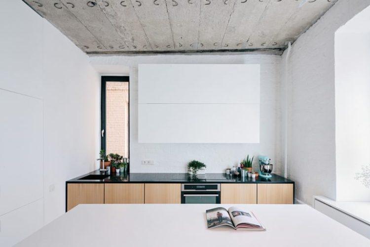 charles ray and coco - blog deco et design - actualite de la decoration et du design - visite - apartment-on-leningradsky5-768x512