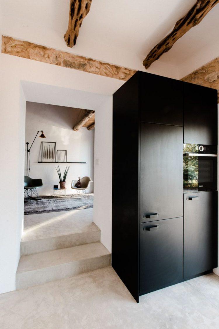 charles ray and coco - blog deco et design - actualite de la decoration et du design - visite - interior - ibizacampo-ibizainteriors-lr-7-768x1154