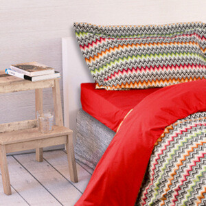 charles-ray-and-coco-blog-deco-et-design-actualite-de-la-decoration-et-du-design-bon-plan-shopping-soldes - vente-privée - Missoni Home - parure de lit rouge